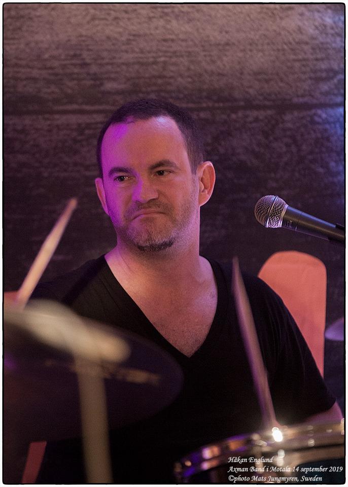 Axman band 6